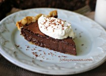 Cách làm bánh chocolate (Chocolate Pie)