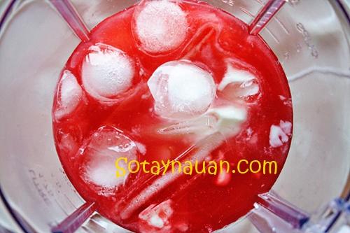 Cách làm sinh tố dâu tây - Sotaynauan.com 5
