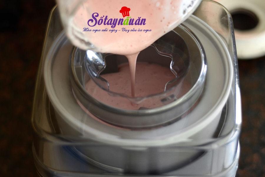 Cách làm kem dâu tây socola