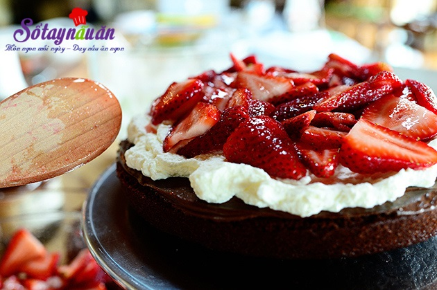 bánh sinh nhật chocolate dâu tây 24