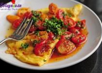 Cách làm món trứng ốp la sốt cà chua siêu tốc cho bữa sáng