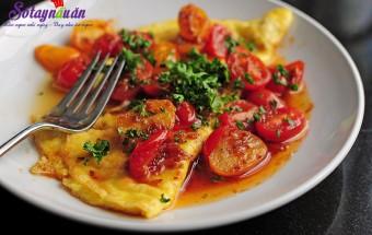 Nấu ăn món ngon mỗi ngày với Cà chua bi, Cách làm món trứng ốp la 9