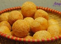 Cách làm bánh rán lúc lắc nhân đậu xanh tẩm vừng