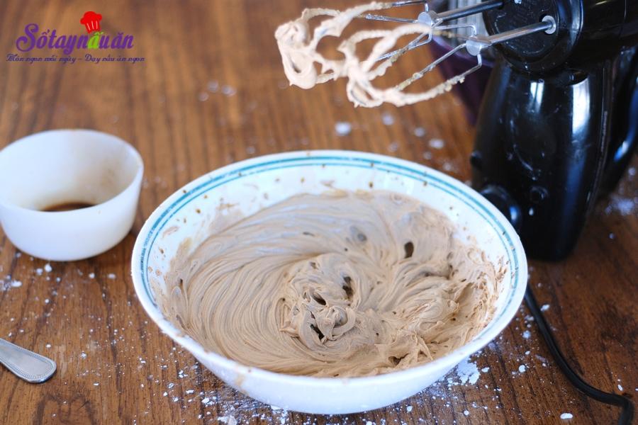 Cách làm bánh muffin cà phê chocolate chip