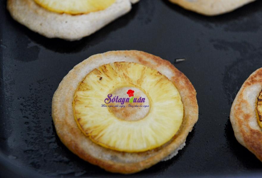 cách làm bánh pancake chuối dứa