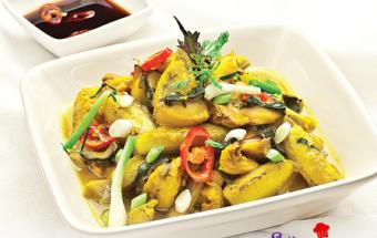 Nấu ăn món ngon mỗi ngày với Cơm mẻ, chuối xanh xào ốc đậu