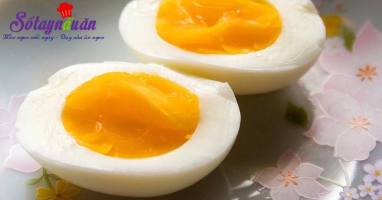 Cách luộc trứng lòng đào ngon