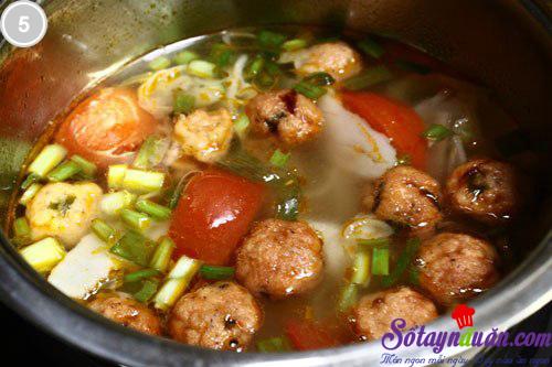 Cá viên nấu măng và cà chua 5