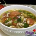 hướng dẫn làm cơm gà tay cầm, Canh thịt nạc nấu với nấm và cà chua