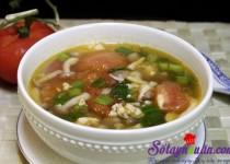 Canh thịt nạc nấu với nấm và cà chua