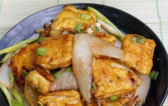 Nấu ăn món ngon mỗi ngày với Dầu hào, Đậu phụ xào hành gừng đơn giản
