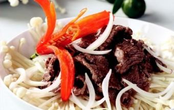 Nấu ăn món ngon mỗi ngày với Nấm kim châm, Giòn giòn nấm kim châm xào thịt bò