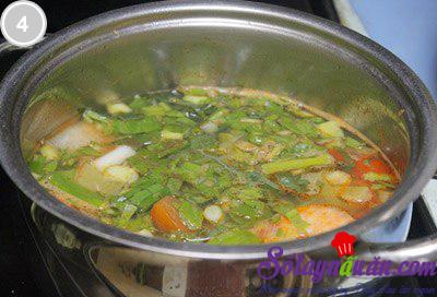Canh tôm khế nấu chua 4