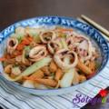 rong biển cuộn trứng, Mực xào cải thảo