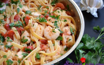 Nấu ăn món ngon mỗi ngày với Mùi tây, Mỳ sốt tôm chua ngọt