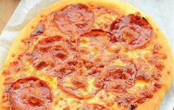 Nấu ăn món ngon mỗi ngày với Men nở, Pizza xúc xích giòn thơm