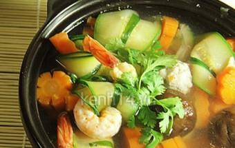 Nấu ăn món ngon mỗi ngày với Nấm hương tươi, Canh bí cuộn tôm