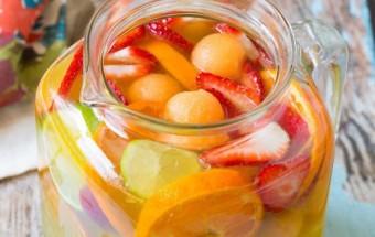 Nấu ăn món ngon mỗi ngày với Dâu tây, Nước cam vắt dâu tây