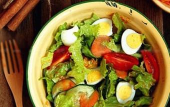 Nấu ăn món ngon mỗi ngày với Trứng cút, Salad trứng cút