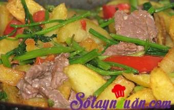 Nấu ăn món ngon mỗi ngày với Cần tây, Bò xào khoai tây chiên mới lạ