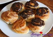 Ngon và dễ làm với bánh su nhân kem vani phủ chocolate