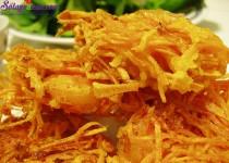 Bánh tôm chiên khoai lang vàng giòn