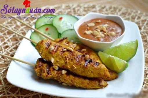 Thịt gà xiên que nướng kiểu Thái