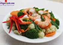 Bông cải xanh xào tôm bổ dưỡng