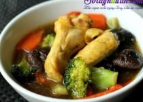 Cách nấu canh gà nấm hương ngọt thơm bổ dưỡng