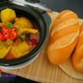 bông cải sốt nước dừa, chân gà nấu cà ri