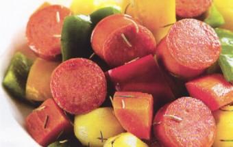 Nấu ăn món ngon mỗi ngày với Tỏi băm, xúc xích nướng rau củ