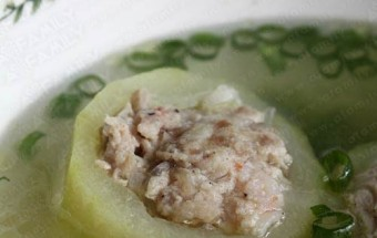 món ăn miền trung, canh bí đao nhồi thịt 9
