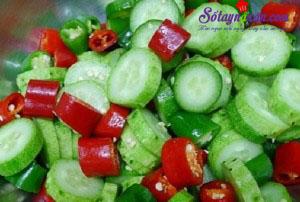 Nấu ăn món ngon mỗi ngày với Ớt xanh, cách làm dưa chuột góp ngon 3
