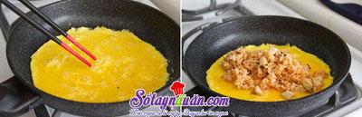 Hướng dẫn làm món trứng bọc cơm vừa ngon vừa đẹp mắt 4