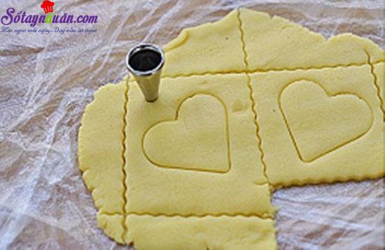 cách làm cookie trái tim cho ngày Valentine 5
