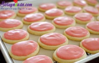 món ngon miền tây, cách làm bánh quy phủ kem dâu tây 15