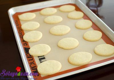 cách làm bánh quy phủ kem dâu tây 8