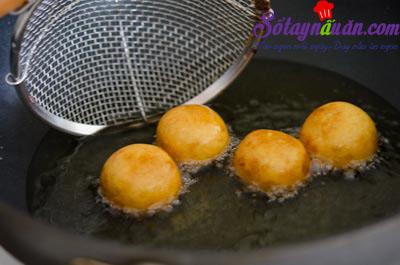 Cách làm bánh khoai lang chiên tẩm đường cực ngon 10