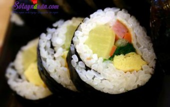 Nấu ăn món ngon mỗi ngày với Dầu mè, Cách làm kimbap Hàn Quốc siêu ngon, cực đơn giản tại nhà