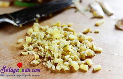 Cách làm thịt cuộn tôm và dứa nướng thơm phức 1