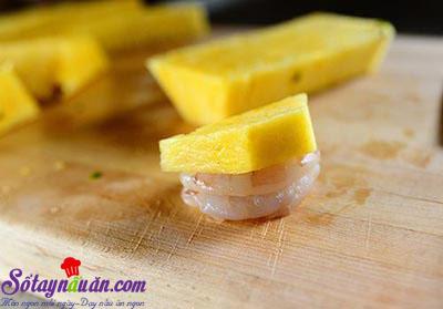 Cách làm thịt cuộn tôm và dứa nướng thơm phức 5