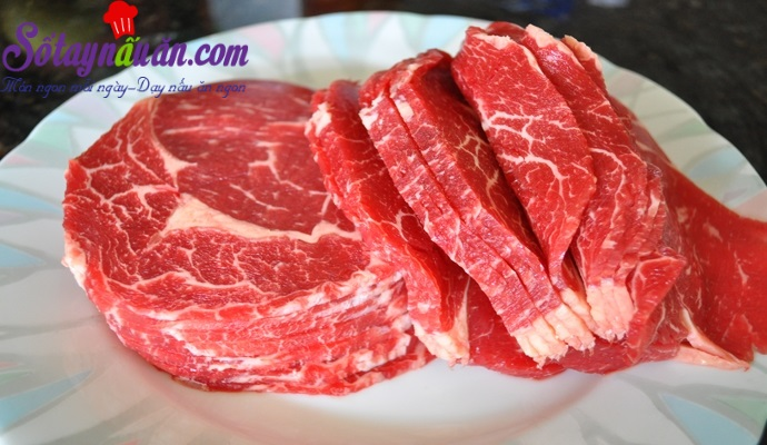 Hướng dẫn làm món thịt bò  cuộn nấm kim châm ngon tuyệt  1