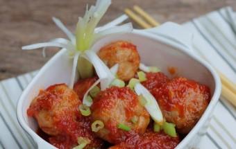 Nấu ăn món ngon mỗi ngày với Trứng cút, Hướng dẫn làm thịt viên bọc trứng cút sốt cà chua ngon