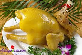 Nấu ăn món ngon mỗi ngày với Hành hoa, Mẹo hay để luộc gà có màu vàng ươm, đẹp mắt