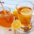 3 cách làm sạch lò vi sóng, công thức pha nước chanh mật ong 1