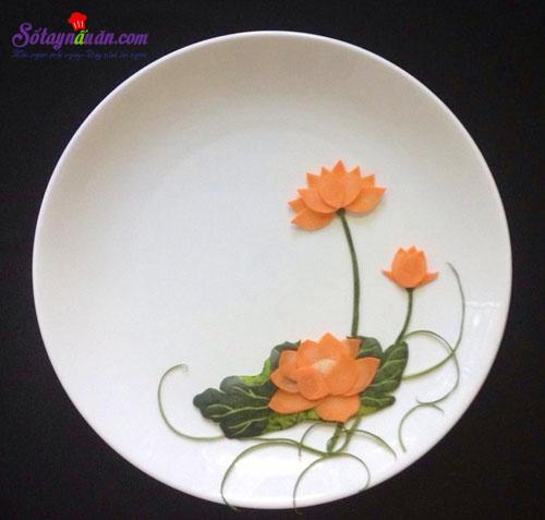 Mẹo trang trí đĩa ăn hình hoa sen đẹp mắt kết quả 2