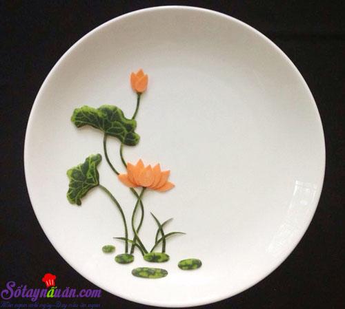 Mẹo trang trí đĩa ăn hình hoa sen đẹp mắt kết quả 3