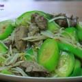 canh cải nấu thịt, cách làm mướp xào lòng gà 2