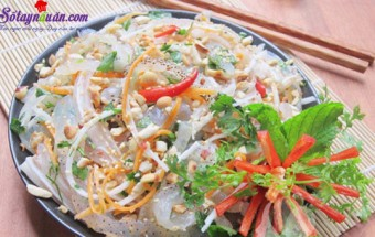 Nấu ăn món ngon mỗi ngày với Bột nghệ, nộm sứa tai heo