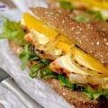 hướng dẫn làm salad hoa quả, cách làm bánh mì sandwich gà với sốt xoài 9